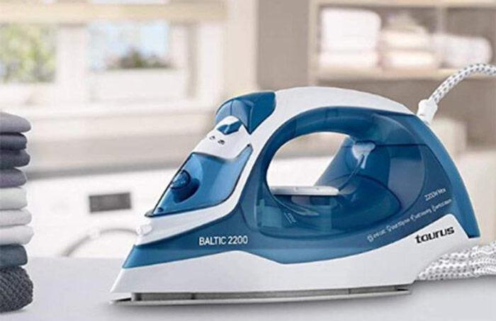اتو بخار تاروس مدل بالتیک 2200