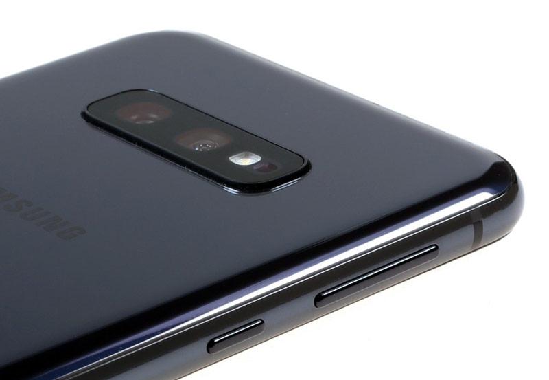 دوربین گوشی سامسونگ گلکسی S10e ظرفیت 128 گیگابایت